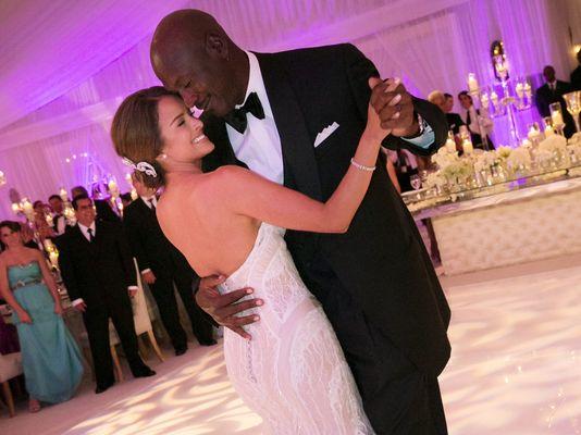 ap-jordan-wedding-basketball-mj-4_3_r536_c534